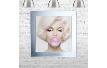 Marilyn Monroe Blowing Gum Picture